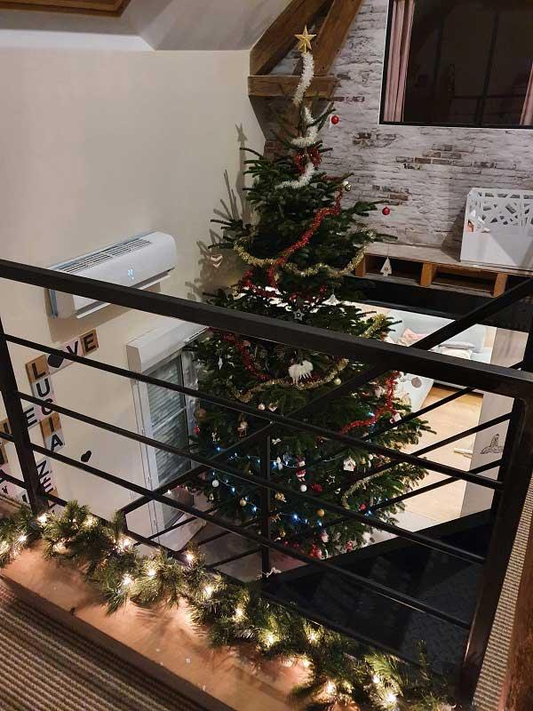 Sapin de Noël Nordmann décoré